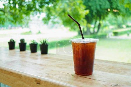 Photo pour Close up ice americano dans le fond du café. - image libre de droit