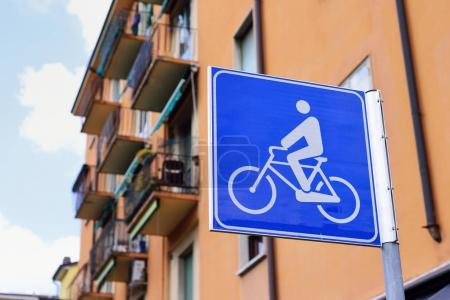 Blue bicycle lane sign
