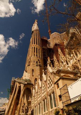 La Sagrada Familia - Ultra wide angle