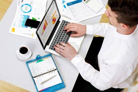Financial advisor concept