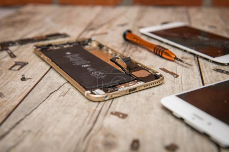 Repair and restoration of iPhone