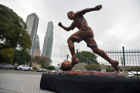 Sculpture of the soccer star