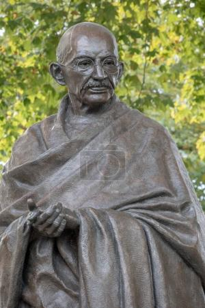 Статуя Махатмы Ганди