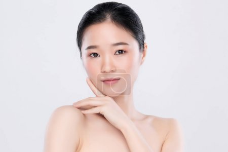 Photo for Portrait beautiful young asian woman clean fresh bare skin concept. Asian girl beauty face skincare and health wellness, Facial treatment, Perfect skin, Natural make up, on white background. - Royalty Free Image