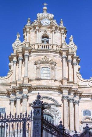 Photo pour Italie, Sicile, Ragusa Ibla district, détail de la façade de style Baroque cathédrale St. Giorgio - image libre de droit