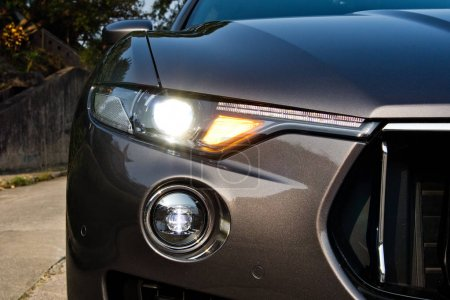 Maserati Levante 2017 Head Light