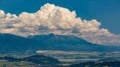 Tlsta Hora Berg im Cutkovska Dolina Tal in der Nähe von Ruzomberok