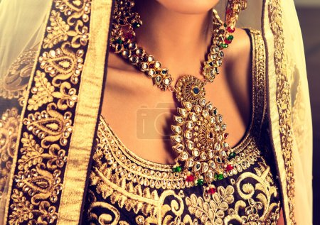 hindu woman model  with kundan jewelry