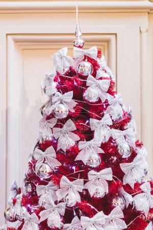 Unusual ideas for decorating Christmas tree