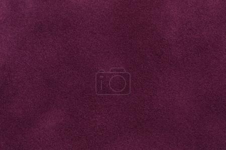 Photo pour Arrière-plan de tissu de daim violet foncé gros plan. Texture velours mat de nubuck de vin textile . - image libre de droit