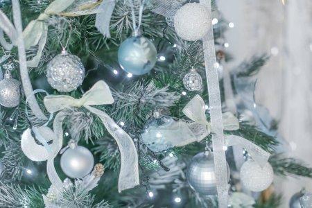 Photo pour Décorations de Noël en studio, décor saisonnier - image libre de droit