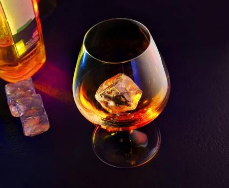 whisky drink with ice