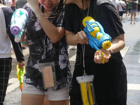 Songkran-Wasserfest an der Silomstraße