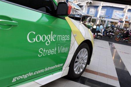 Photo pour Bangkok, Thaïlande - 22 mars 2012: gros plan de la voiture de Google Maps Street View - image libre de droit