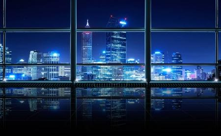Photo pour Intérieur de bureau moderne, vide et propre, avec fenêtres vitrées, fond d'horizon de la ville de Perth, scène nocturne  . - image libre de droit
