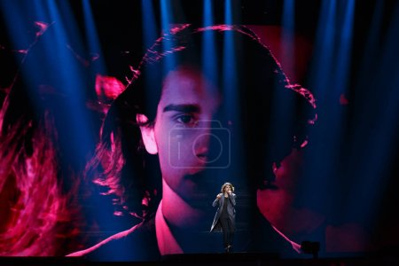 Photo pour KYIV, UKRAINE - MAY 08, 2017: Isaiah of Australia at ESC (EUROVISION) Eurovision Song Contest 2017 during Semi-Final - image libre de droit