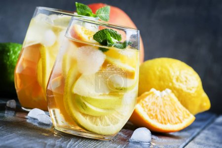 White Spanish sangria