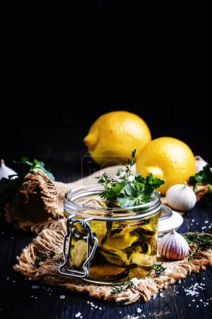 Mussels in olive oil with lemon and herbs