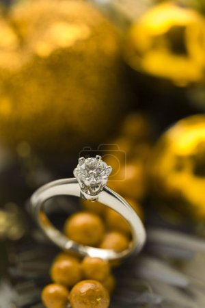 Beautiful brilliant diamond wedding ring