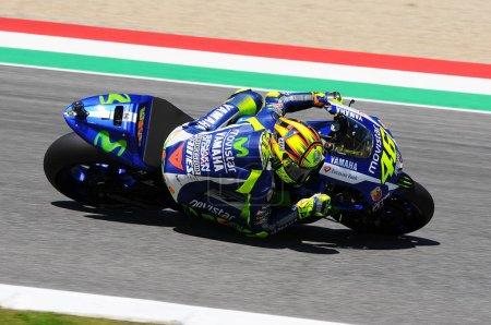 Photo pour Mugello - Italie, 29-30 mai: Pilote de Yamaha italien Valentino Rossi à 2015 Tim Motogp d'Italie au Mugello circuit le 29 et 30 mai 2015 - image libre de droit
