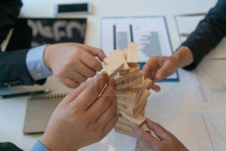Photo pour Entreprise de logement bon travail d'équipe, concept d'entreprise de logement - image libre de droit