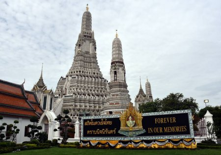 Memorial Portrait of Thai King Bhumibol Adulyadej at Wat Arun temple