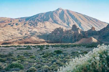 Photo pour Pico del Teide - Volcan spectaculaire sur Tenerife, avec ses environs - image libre de droit