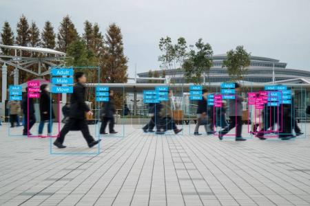 Photo pour Iot apprentissage automatique avec reconnaissance humaine et d'objets qui utilisent l'intelligence artificielle pour les mesures, le concept analytique et identique, il invente à la classification, estimation, prédiction, base de données - image libre de droit