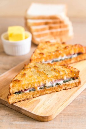 baked spinach and ham sandwich