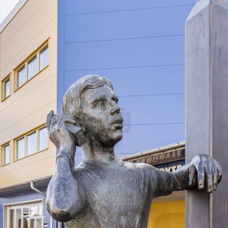 Bronze statue of Goran Karlsson, the founder of GeKas emporium in Ullared