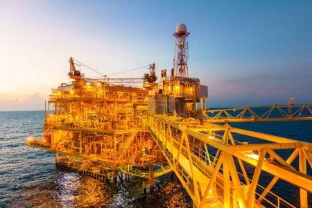 Offshore construction platform for production oil and gas with b