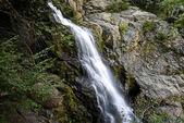 """Постер, картина, фотообои """"красивая природа с водопадом в горы"""""""