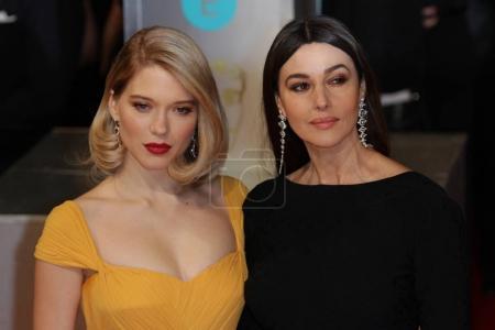 Photo pour Londres, 8 février 2015: Monica Bellucci et Lea Seydoux assister à Ee British Academy Film Awards à la Royal Opera House de Londres - image libre de droit