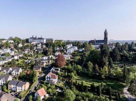 Vista aérea Schloss Bensberg y alrededores Berglisch Gladbach Alemania cerca de colonia