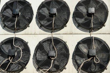 Climatisation et système de refrigeretion à l'extérieur de l'unité - compresseurs et condenseurs