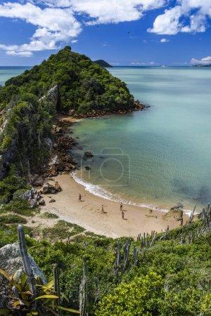 Photo pour Vue de Praia Rasa (Rasa Beach) à Armao de Bzios, Rio de Janeiro, Brésil - image libre de droit