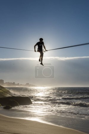 Slackline during early morning