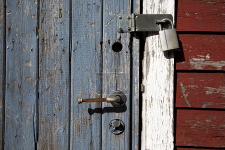 Photo pour Porte verrouillée dans la ville de Longyearbean - image libre de droit