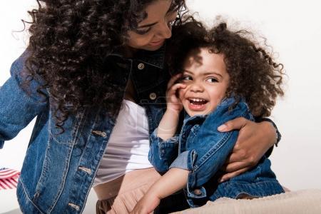 Femme avec sa fille de fille de bébé