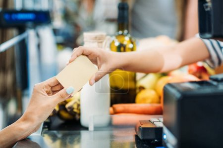 payment in supermarket