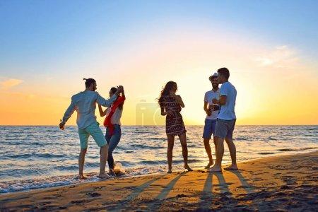 Photo pour Fête de la plage fête vacances d'été concept. - image libre de droit
