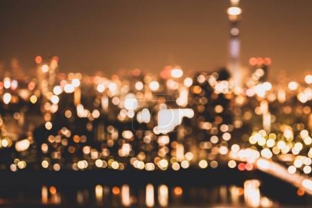 Photo pour Flou ville lumière fond abstrait avec des lumières bokeh déconcentrées . - image libre de droit